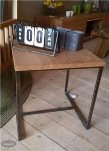 שולחן צד מעץ אלון