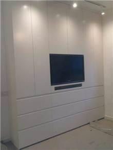 ארון פתיחה משולב טלוויזיה