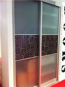 ארון הזזה עם דלתות זכוכית - Doors