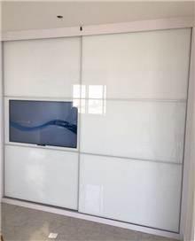 ארון הזזה בצבע לבן - Doors