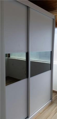 ארון הזזה 2 דלתות זכוכית
