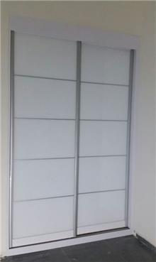 ארון עם 2 דלתות הזזה