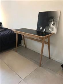 שולחן כתיבה אלגנטי - יניב פשפשים