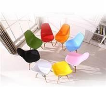 כסא מודרני לפינת אוכל