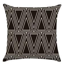 כרית נוי משולשים בשחור - רהיטי עינבל