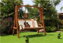 נדנדת עץ דו-מושבית מרופדת דגם טורקיז - GARDENSALE