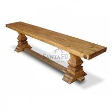 ספסל עץ בעיצוב עתיק