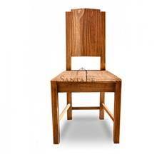 כיסא עץ טבעי
