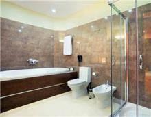מקלחון פינתי ייחודי - קליר תעשיות זכוכית