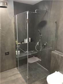 מקלחון פינתי לאמבט - קליר תעשיות זכוכית