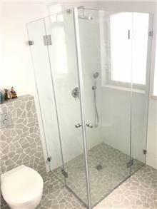 מקלחון פינתי שקוף - קליר תעשיות זכוכית
