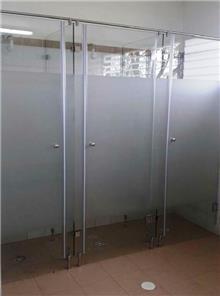 מקלחון דלתות זכוכית - קליר תעשיות זכוכית