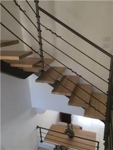 """מדרגות מתכת מסוגננות - מסגרית הדודים בע""""מ"""