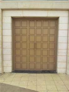 דלת כניסה בעיצוב מרהיב