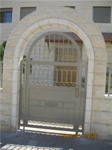 דלת כניסה בעיצוב יפיפה