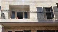 """מעקה מעוצב למרפסת - מסגרית הדודים בע""""מ"""