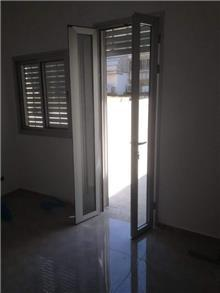 דלת שתי כנפיים