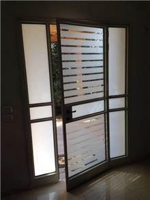 דלת כניסה לבית מעוצבת