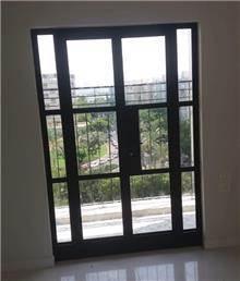 דלת מעוצבת -  אלומיניום עבודות AZ