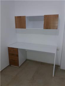 שולחן כתיבה וכוורת מעץ אלון