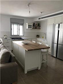 מטבח לבן אפוקסי - העיצובים של קורין