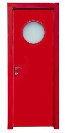 דלת בגוון אדום