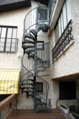 מדרגות לוליניות חיצוניות  - קו נבון