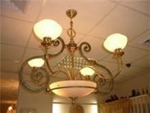 מנורת תלייה עתיק וחדש בשילוב ברונזה