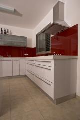רקע צבעוני למטבח