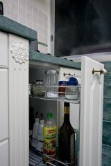 עגלה במטבח קומפקטי