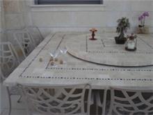 שולחן משולב עם מגש מסתובב אילנה טרוורטין