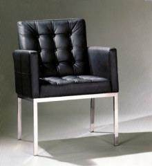 כסא דגם ניקולאי