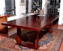 שולחן עץ אגוז אמריקאי