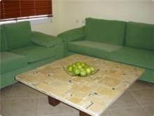 שולחן הושעיה מצפה צהוב ללא מסגרת