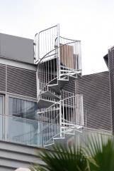 מדרגות דו שלביות
