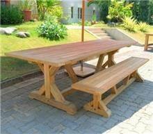 שולחן מעץ טיק