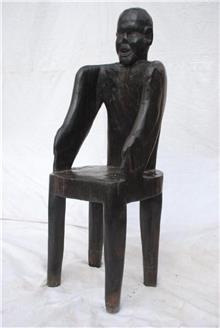 כסא מפוסל