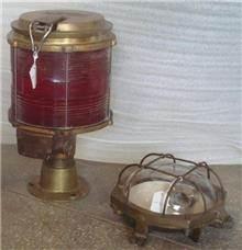 מנורות עתיקות מנחושת