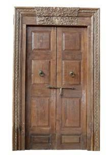 דלת עץ ייחודית