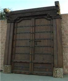 דלת לחזית הבית