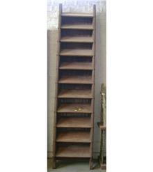 מדרגות עתיקות