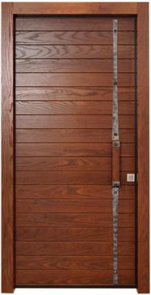 דלת חומה קלאסית