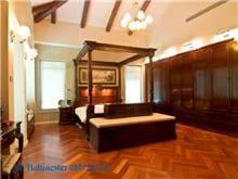 מיטת עץ עם אפריון - Treemium - חלומות בעץ מלא