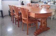 שולחן מרשים מעץ 1846