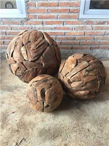 שלישיית כדורים מעץ - Treemium - חלומות בעץ מלא