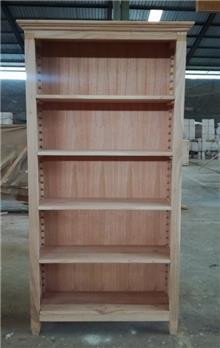 ספרייה מעץ מלא אלון  - Treemium - חלומות בעץ מלא