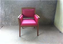 כורסא כפרית אדומה - Treemium - חלומות בעץ מלא
